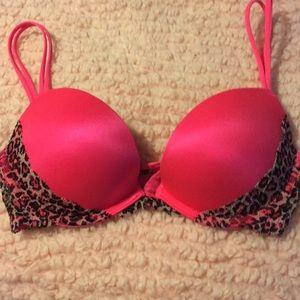PINK Victoria's Secret 32B